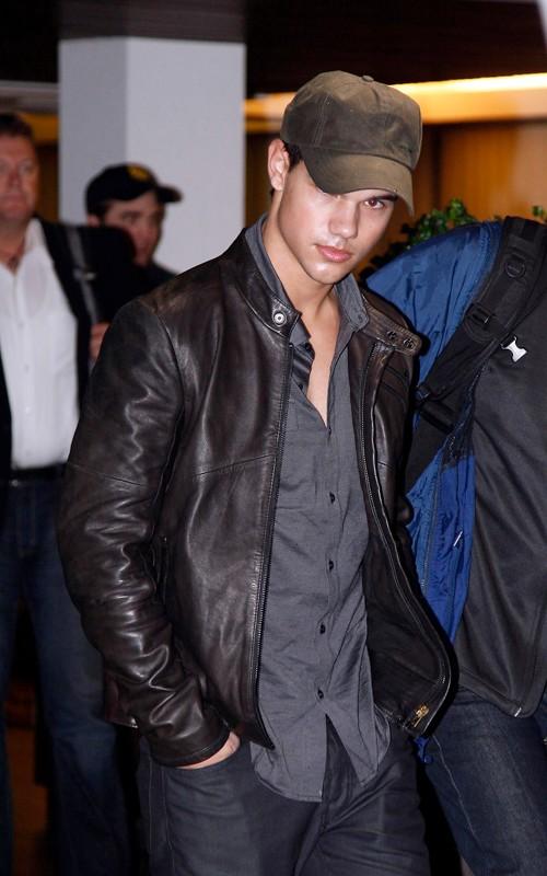 Taylor Lautner ( Twilight) 96