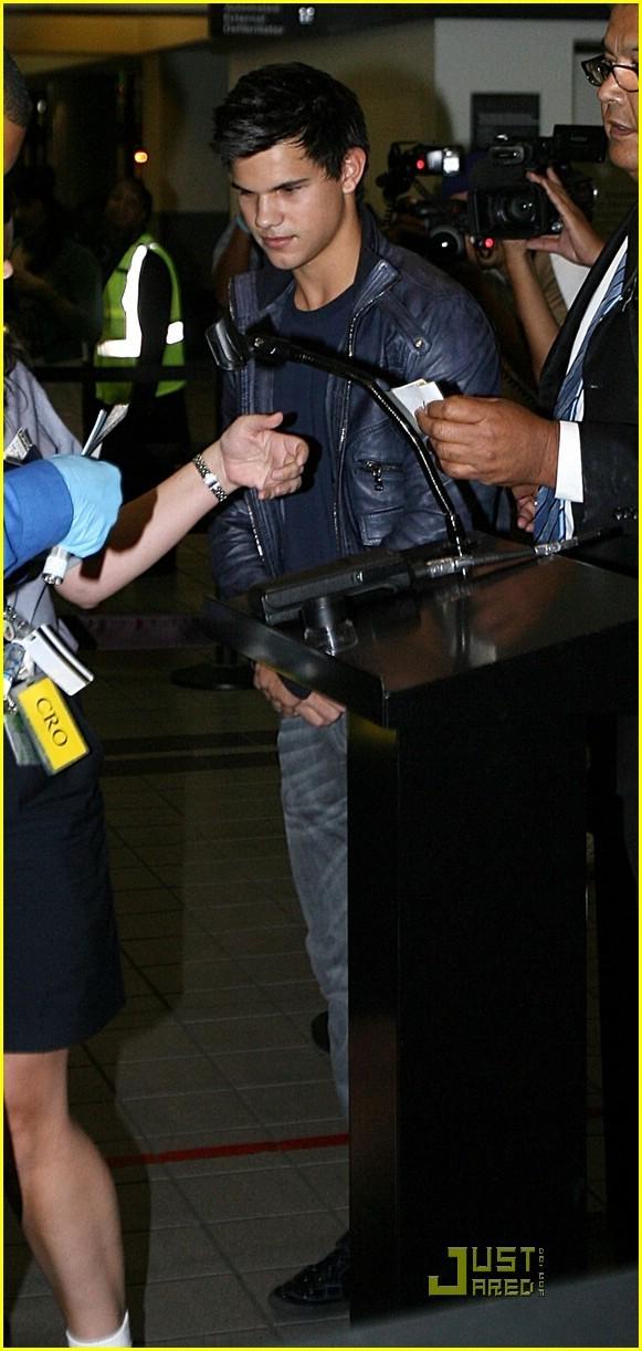 Taylor Lautner ( Twilight) V6